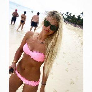 amateur photo A beach babe