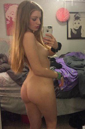 amateur photo Blondie with a Booty