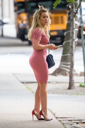 amateur photo Hilary Duff works out