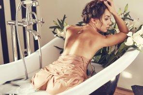 amateur photo Milk bath