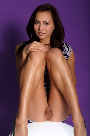 amateur photo Kalena with Knees Up Against Purple Background [MetArt]