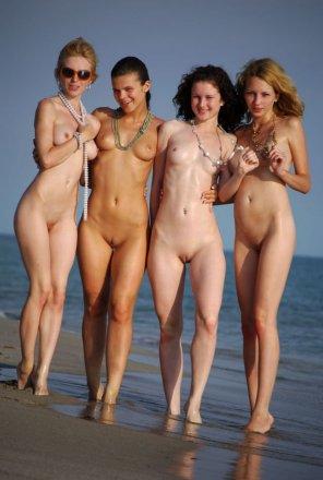 amateur photo Friends on the beach
