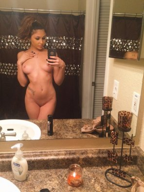 amateur photo Ariana Marie selfie