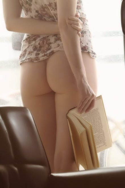 Books and booty Porn Photo