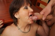 Rarely see love for mature cumsluts. Here's one for anyone with a gilf fetish.