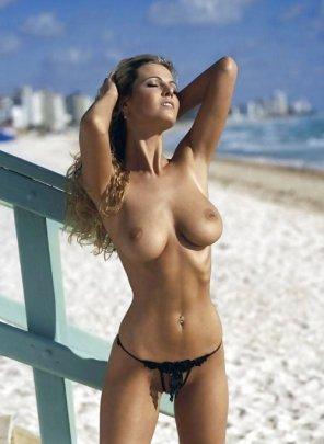 amateur photo Proper beach attire