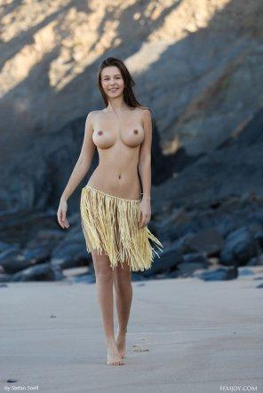amateur photo Hula skirt
