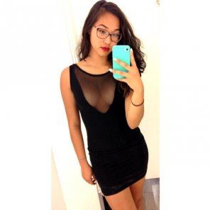 amateur photo Black dress