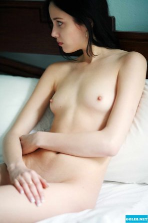 amateur photo Pale Alisia A