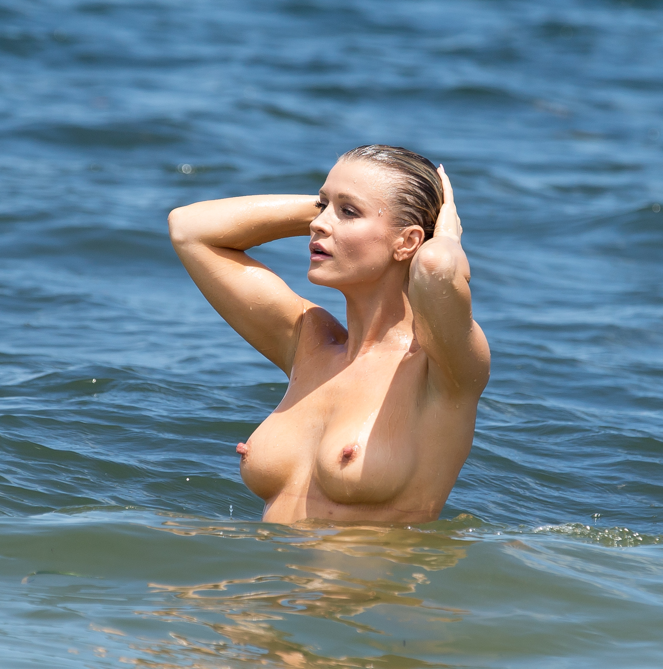 Joanna krupa naked to her pussy agree
