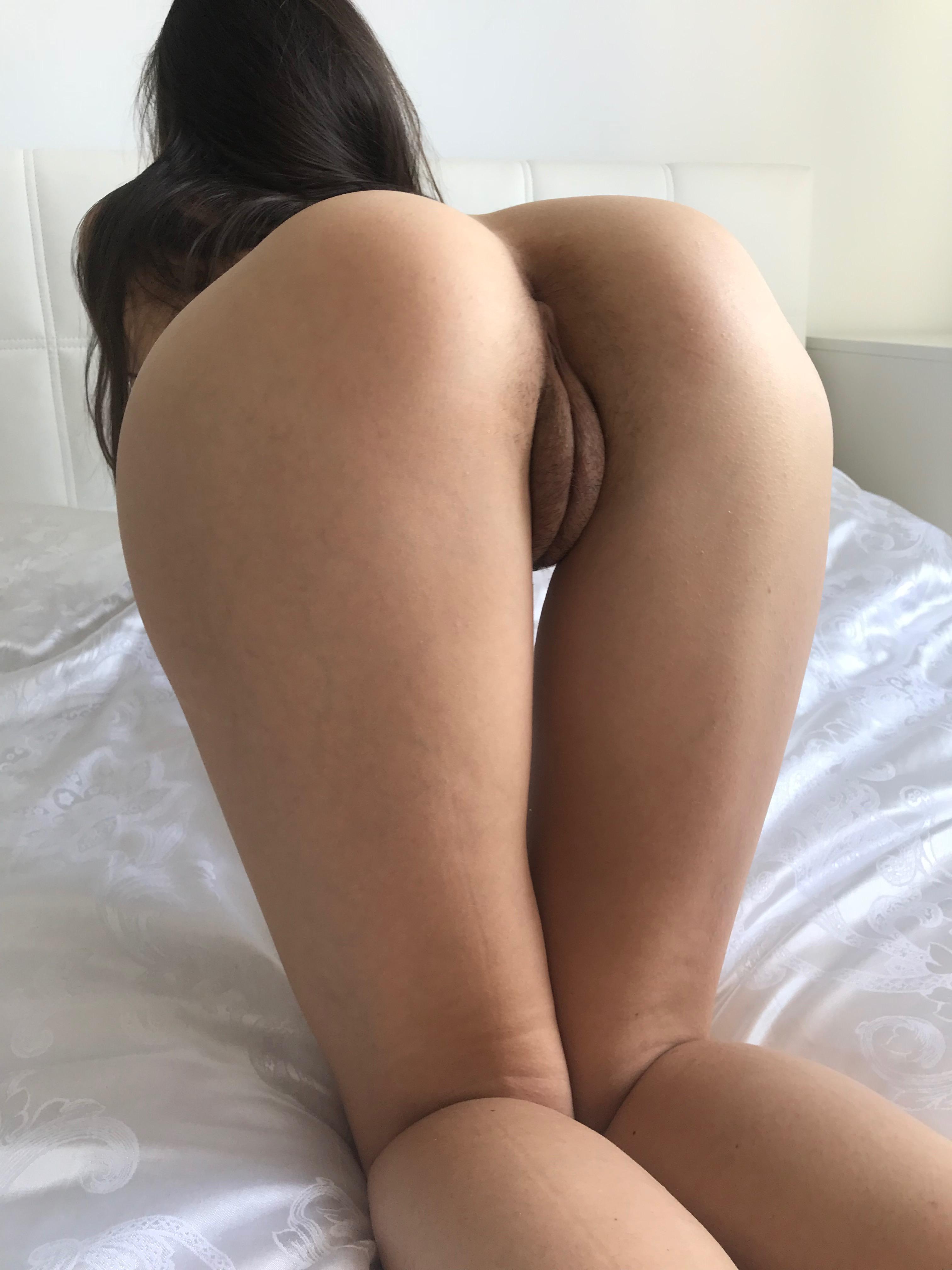 Gwyneth paltrow naked pussy upskirt