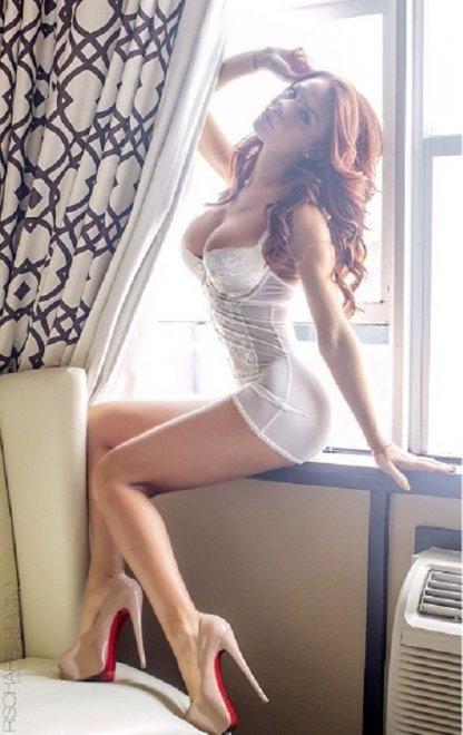 Beauty in the window Porno Zdjęcie