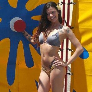 amateur photo bikini slut, more in comments