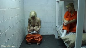 amateur photo Cellmate Gets to Watch