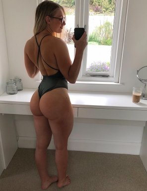amateur photo Happy with her gains