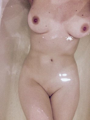 amateur photo [f] bath time before getting dirty later tonight