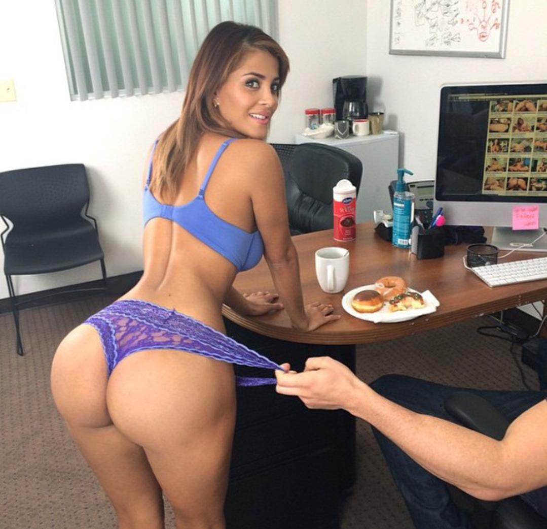 Latina milf porno video
