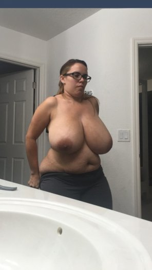 amateur photo Big boobs on a chunky lady