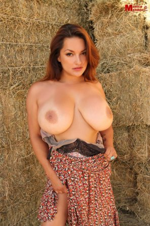 amateur photo Country Girl