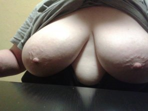 amateur photo MILFs 38DDs