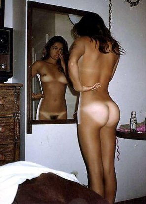 amateur photo At the mirror