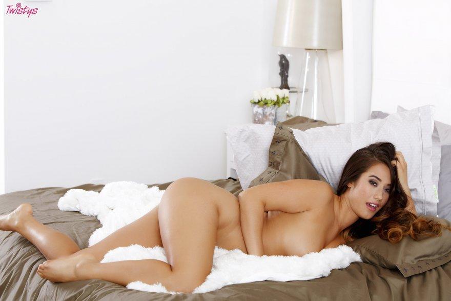 Eva Lovia Porn Photo