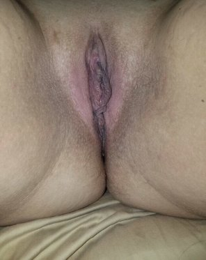 amateur photo My horny little pussy, comments about what you think are welcome 😊😊