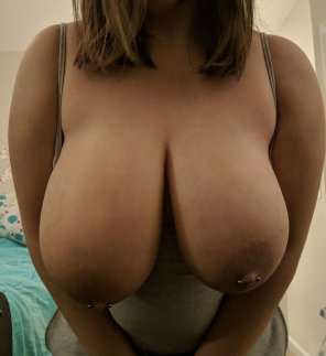 amateur photo [OC] Forget my eyes; my boobs are down here