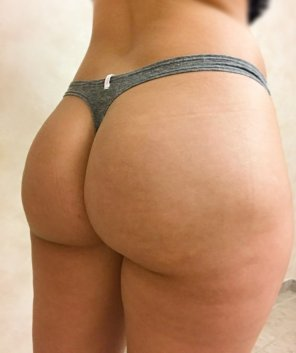 amateur photo [F] Thong of the day!!!! Grey thong from VS!!!