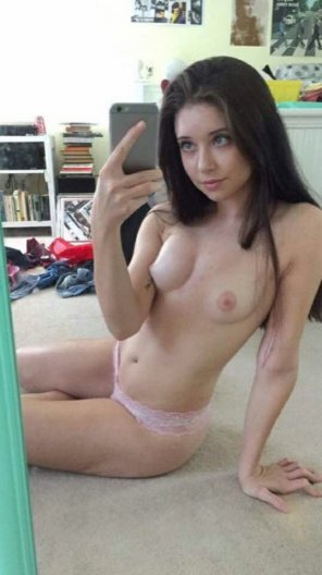 amateur photo Little cute titties
