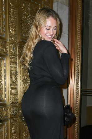 amateur photo Iskra Lawrence