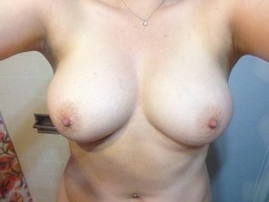 amateur photo Big nips and big tits