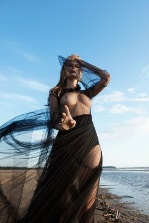 amateur photo Anastasiya Scheglova by Tatyana Mertsalova for C-Heads Mag [aic]