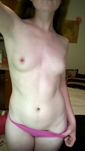 amateur photo Horny and lonely on my day off...
