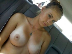 amateur photo Bashful backseat babe