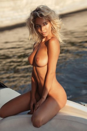 amateur photo Blonde girl