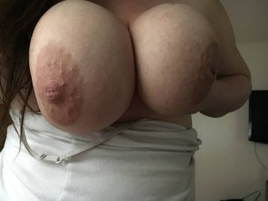 amateur photo Busty wife...