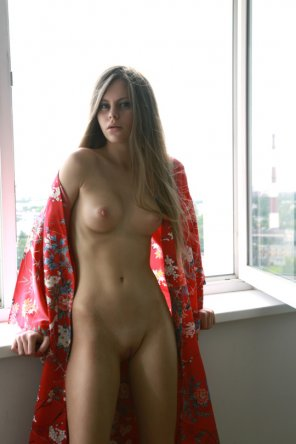 amateur photo Flowing robe