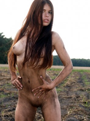 amateur photo who doesn't like a dirty girl