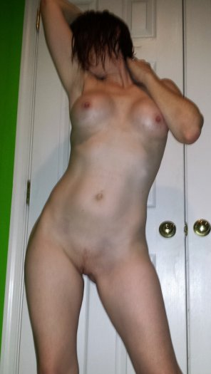 amateur photo Feeling sexy after shower