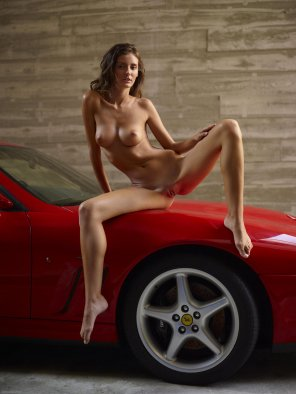 amateur photo Hot Chick & Hot Ferrari. *full album*