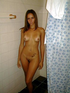 amateur photo Damn, she's hot