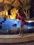 amateur photo Gina Holguín - Crimson bodycon dress