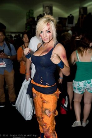 amateur photo Jessica Nigri as Goku