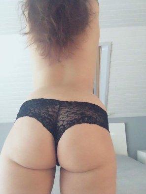 amateur photo [OC]Enjoy my butt ;)