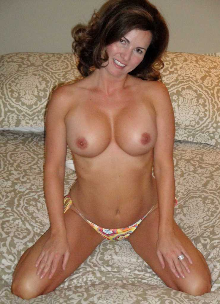 Idea hot sexy moms milfs nude pics very