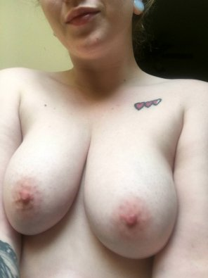 amateur photo IMAGE[Image] Her lovely titties