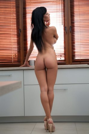 amateur photo Nothing but heels