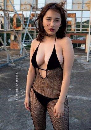 amateur photo Tomaru Sayaka - Fishnets!