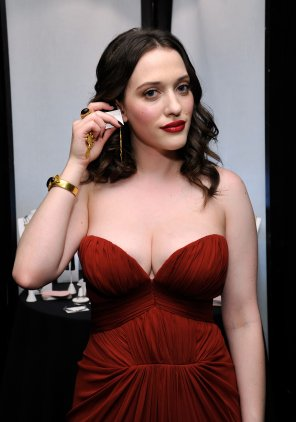 amateur photo Kat Dennings may be the younger Christina Hendricks for two reasons